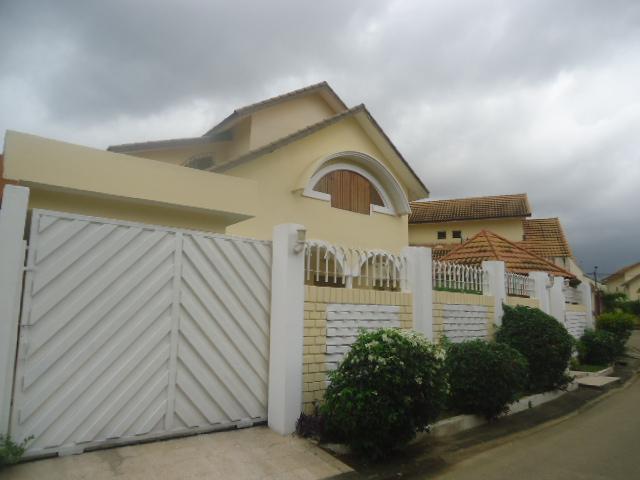 A louer angre arcade villa duplex 5 pieces keners for Acheter une maison a abidjan