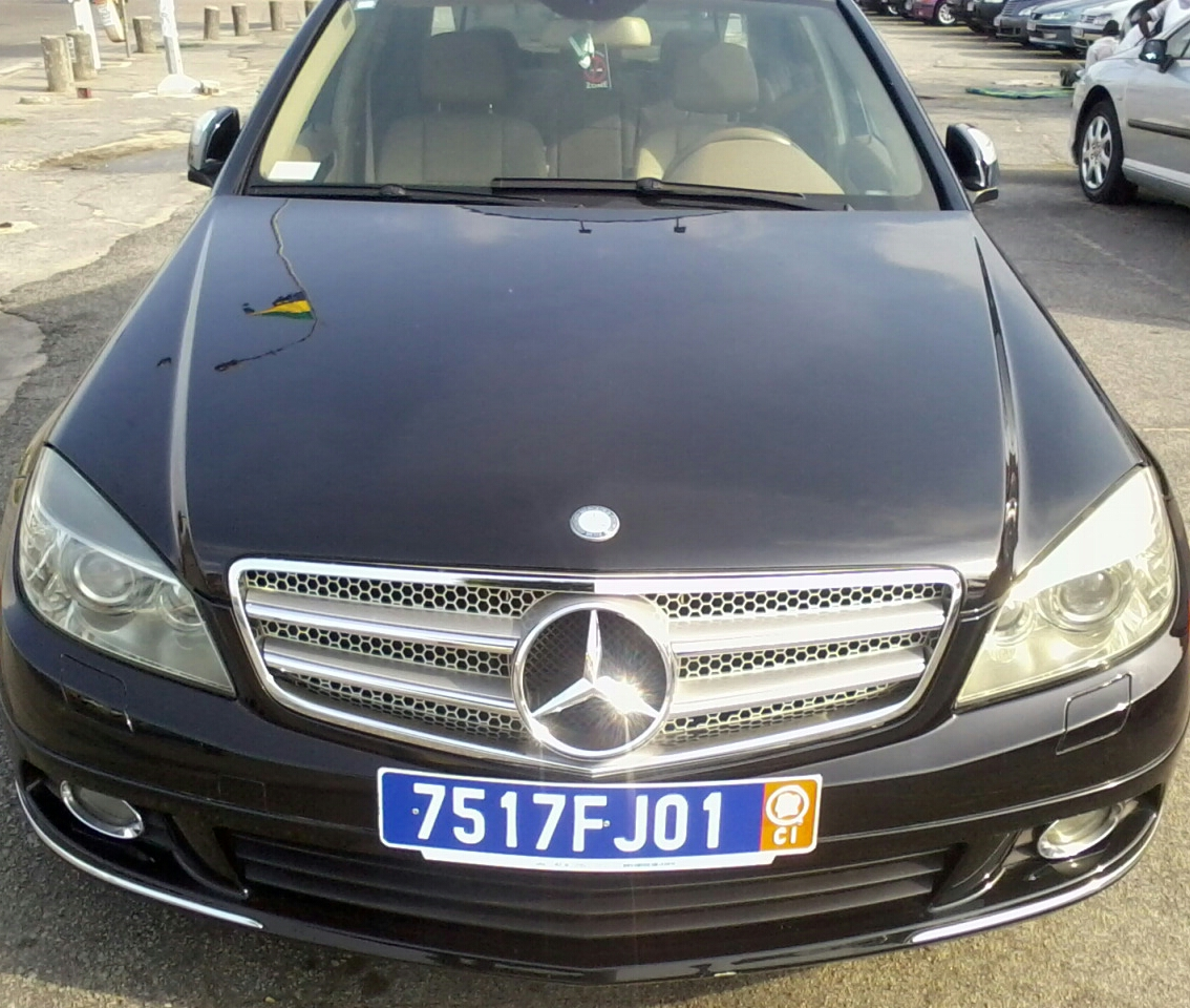 mercedes c300 ann e 2008 en vente keners petites annonces class es gratuites. Black Bedroom Furniture Sets. Home Design Ideas